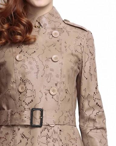 时尚卡其色镂空雕花半长款皮风衣