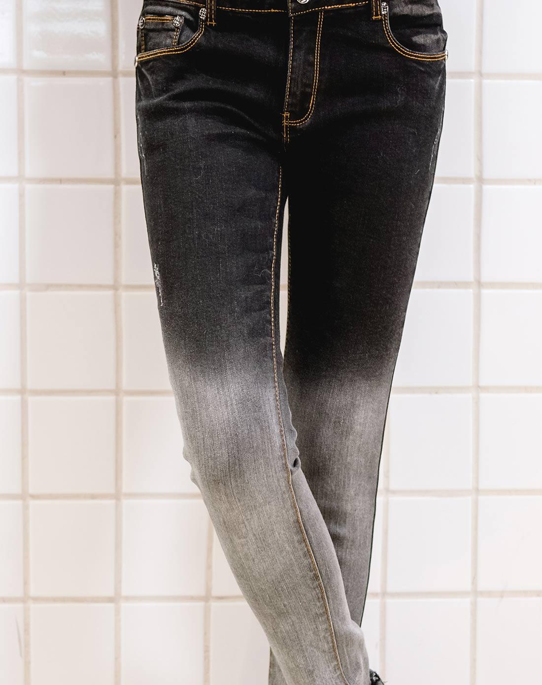 女款黑色牛仔裤