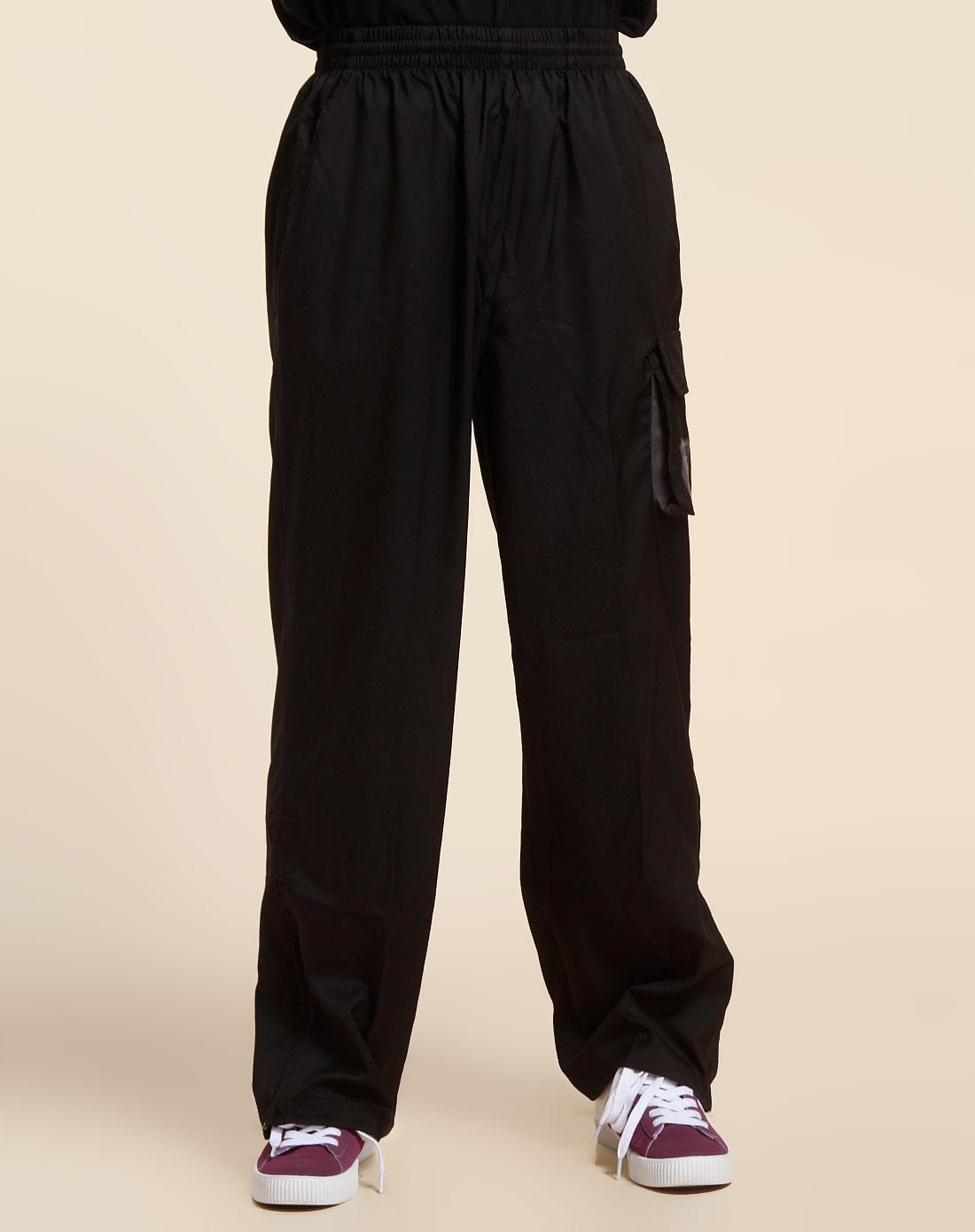 纯黑色运动长裤