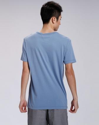 男款浅灰蓝色绣字短袖t恤