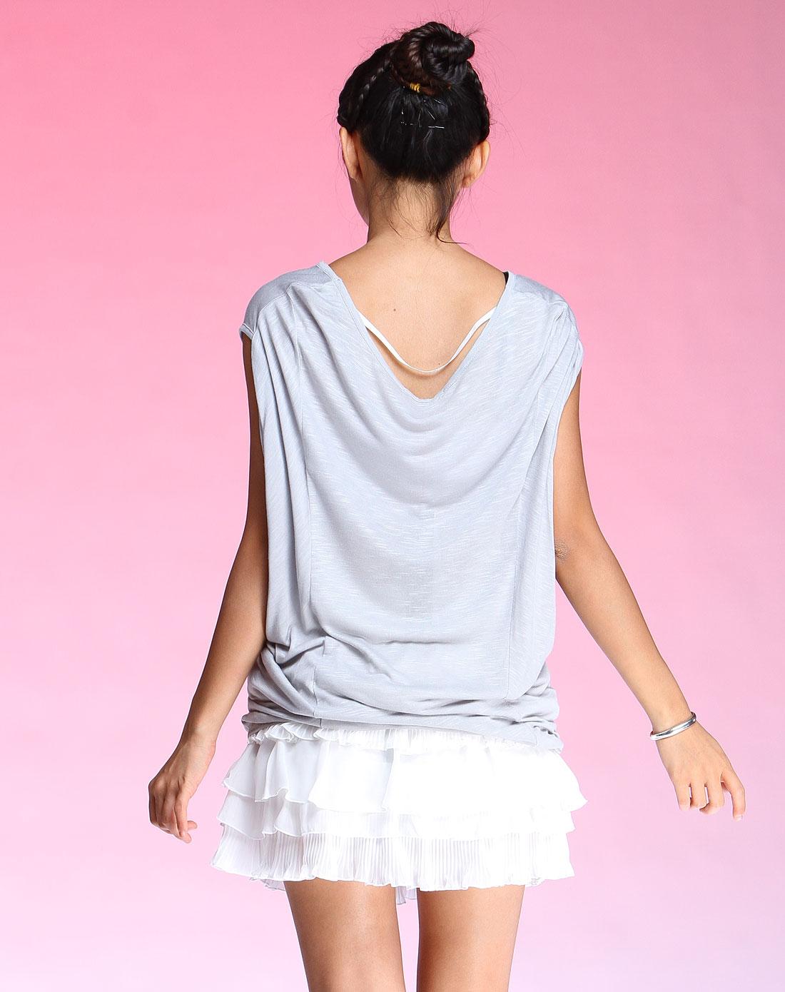 en女装专场 浅灰色时尚竹节布美人头蝙蝠短袖t恤