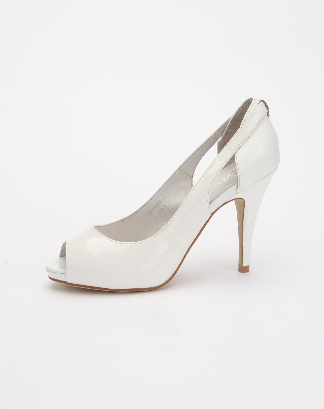 白色时尚高跟鞋