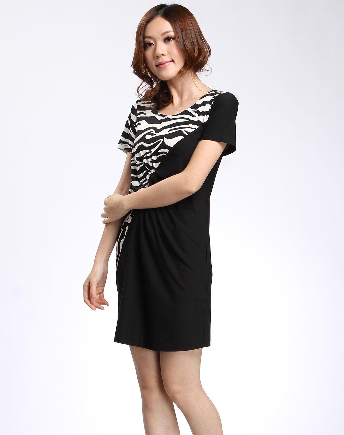 黑色时尚花纹短袖连衣裙