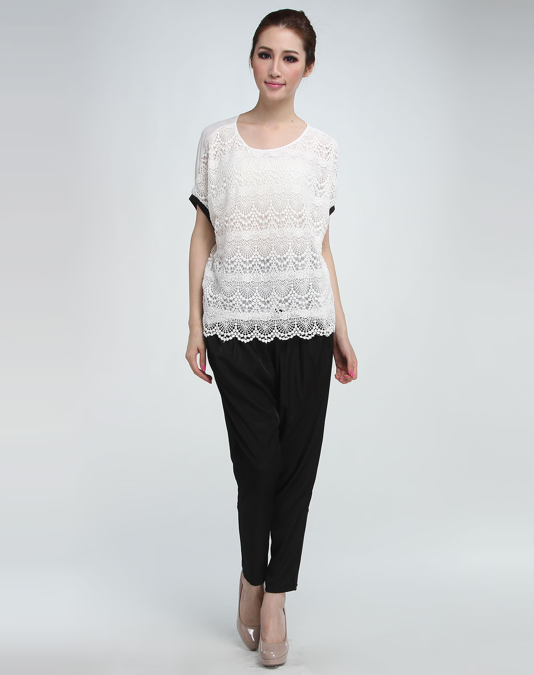 3白色复古花纹短袖上衣k122c111200