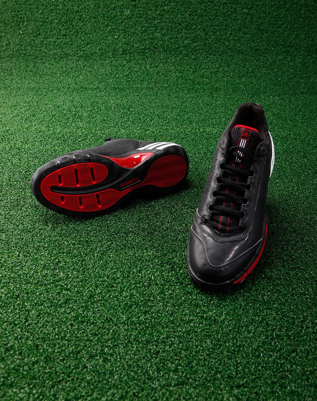 阿迪达斯adidas男款黑色时尚运动鞋g08656