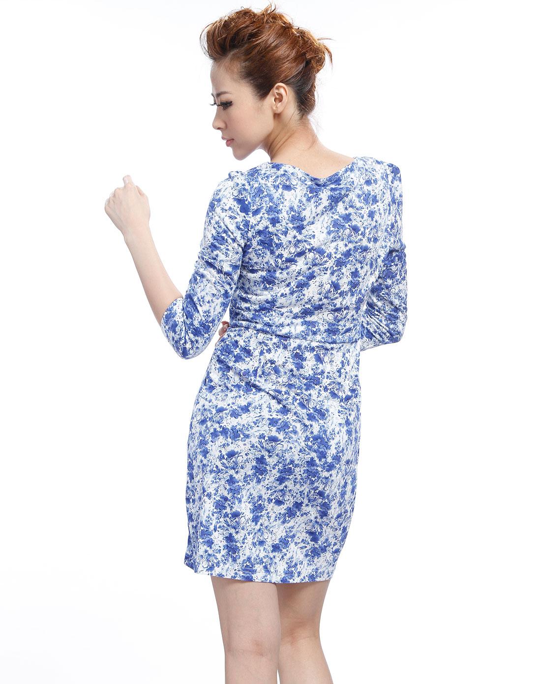 白/蓝色小碎花长袖针织连衣裙