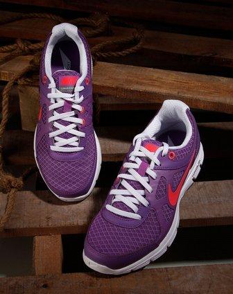 耐克nike-女鞋专场-女款紫色绑带时尚冲孔跑步鞋