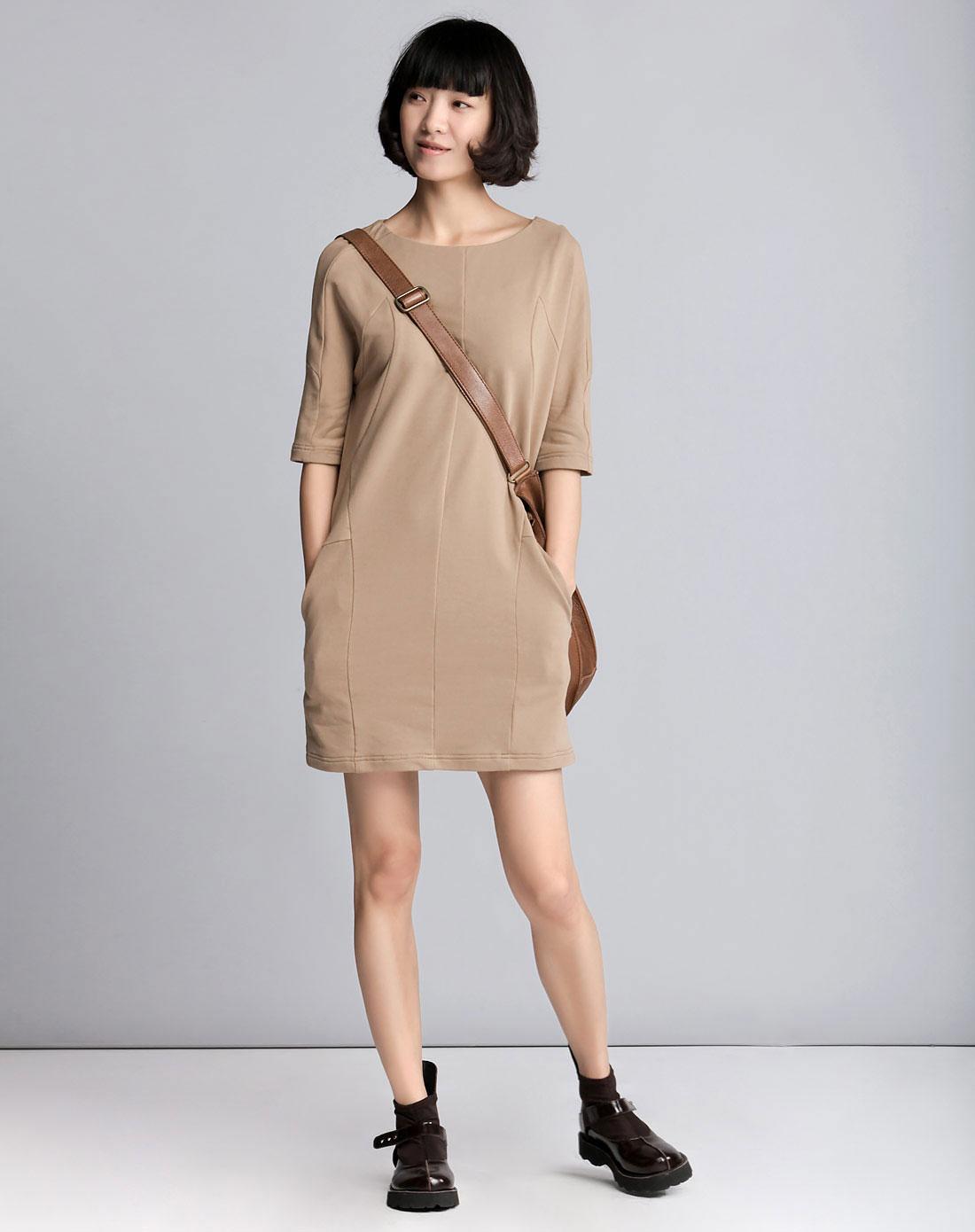 艾米amii卡其色休闲中袖连衣裙11240005270