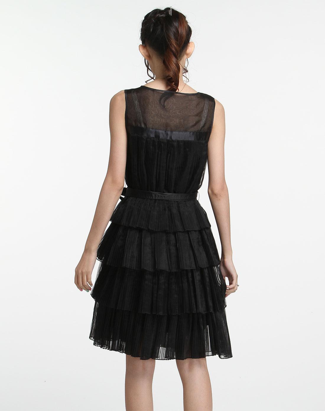 黑色时尚细褶无袖连衣裙
