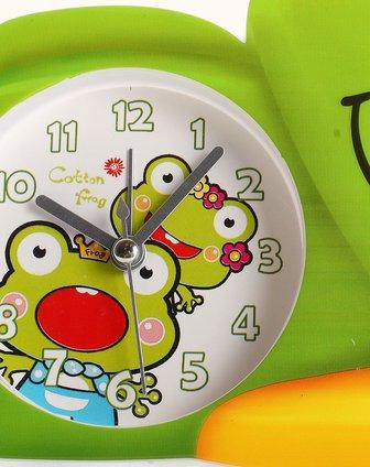 绿色可爱睡眠青蛙卡通闹钟