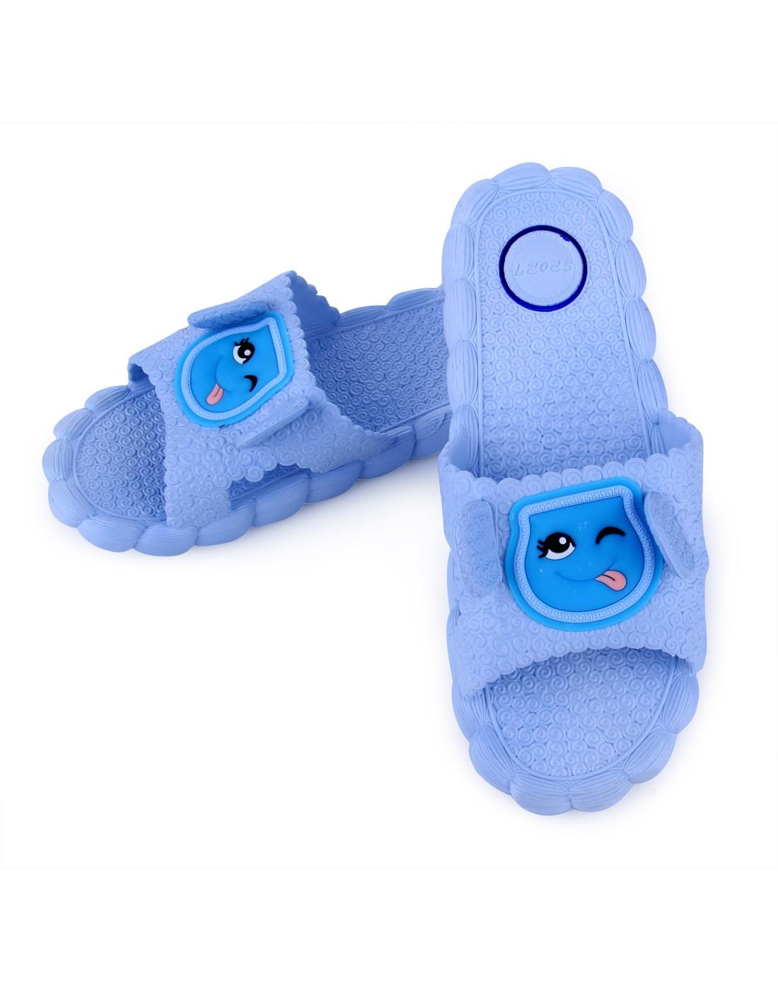 浅蓝色可爱小羊造型防滑居家拖鞋女款