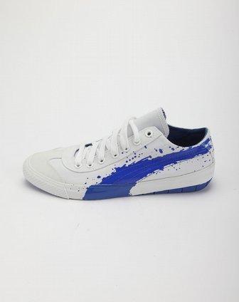 白底宝蓝色泼墨纹个性休闲帆布鞋