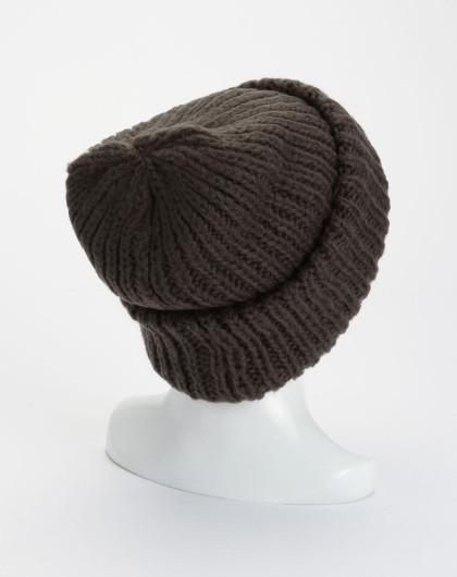 乌木色时尚编织帽子
