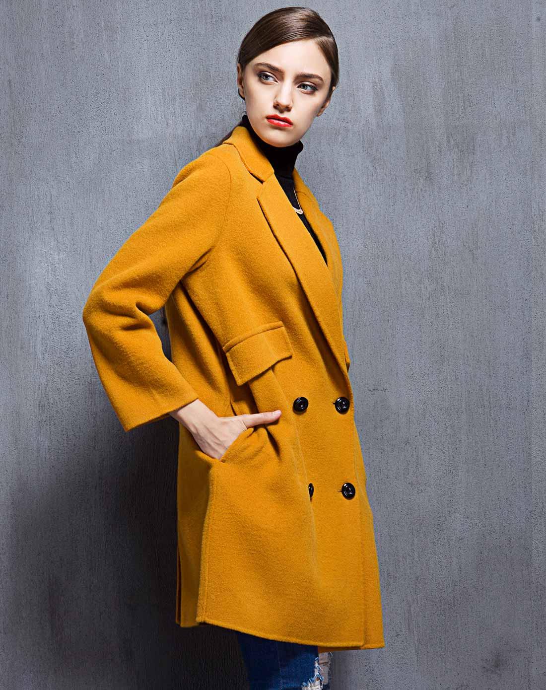 女款黄棕色双面呢大衣