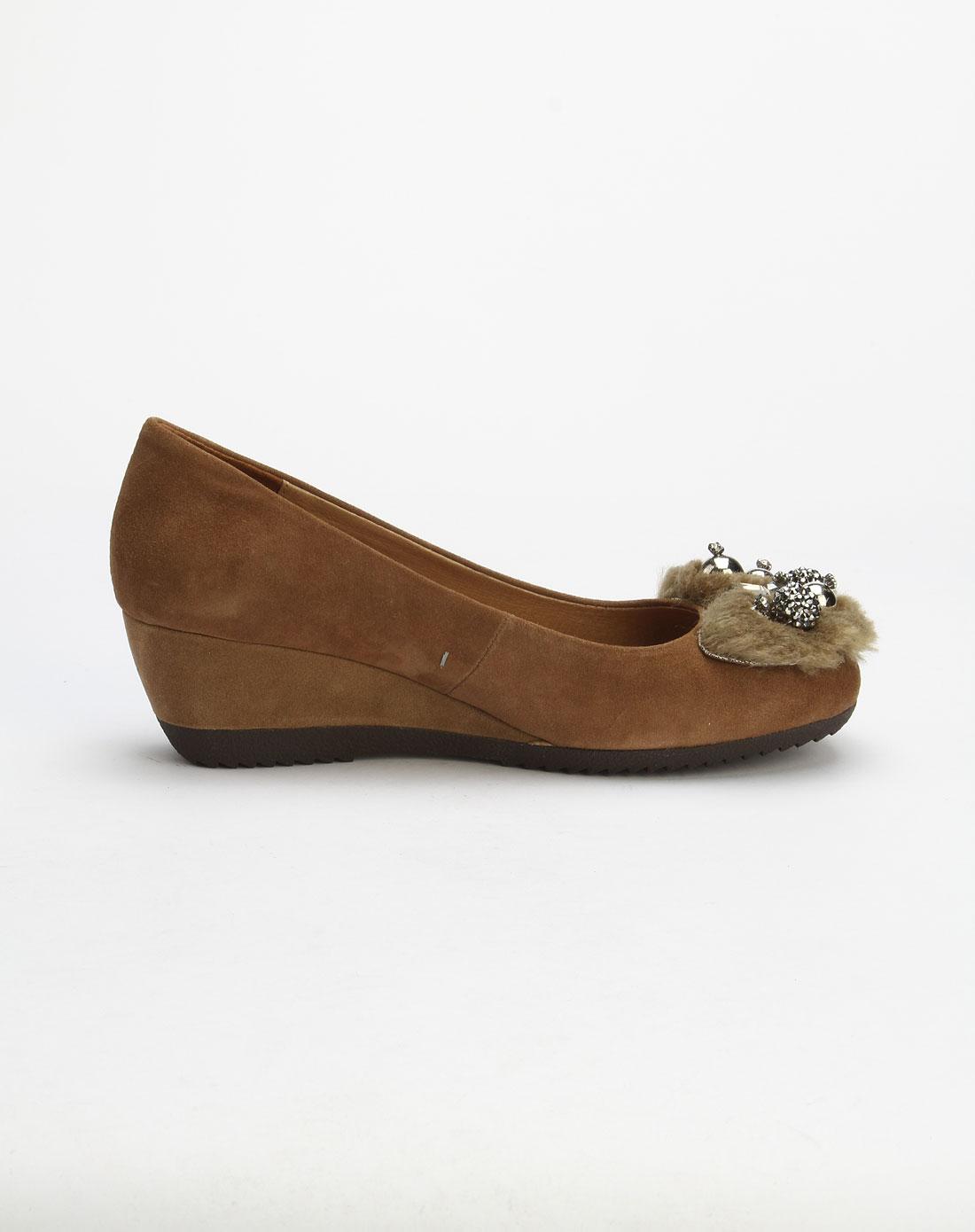 哈森旗下品牌女鞋卡文女款深杏色时尚坡跟单鞋cl