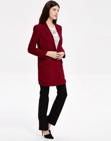 女式酒红色西装