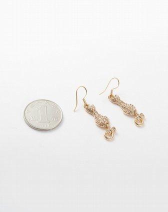 金色动物造型耳环