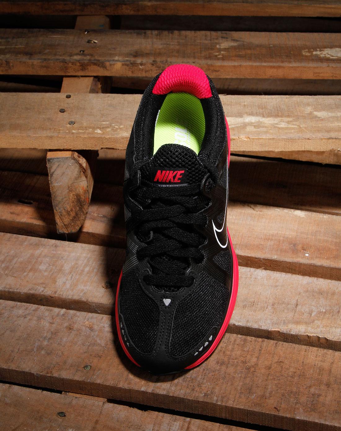 耐克nike女款黑色网面系带运动鞋415323-006