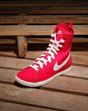 耐克nike女款深玫红色高邦系运动鞋454413-600