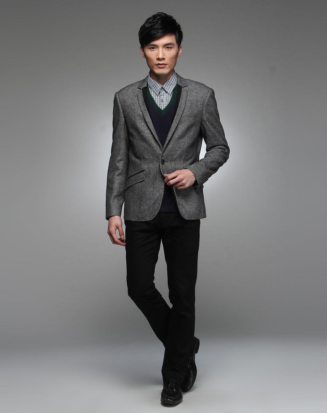 男 灰色大衣 搭配