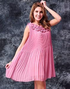 女款粉色丝尼可爱款连衣裙