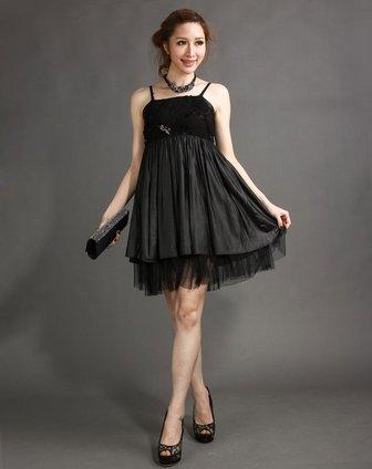 黑色精致礼服