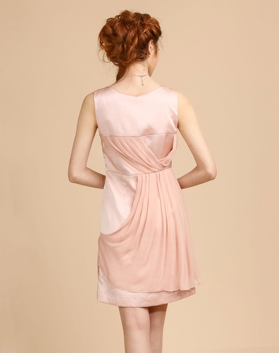 粉红色立裁精致优雅小礼服图片