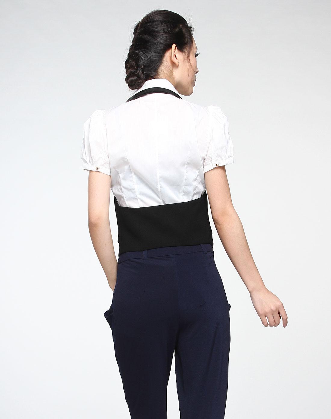 衣服后背字体设计