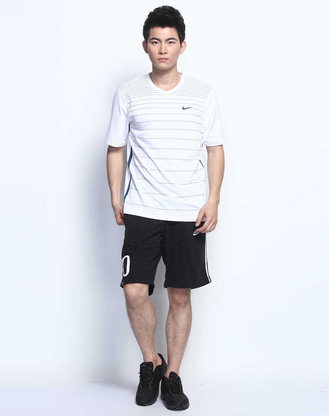 耐克nike男装专场-横条纹v领白宝蓝色短袖t恤