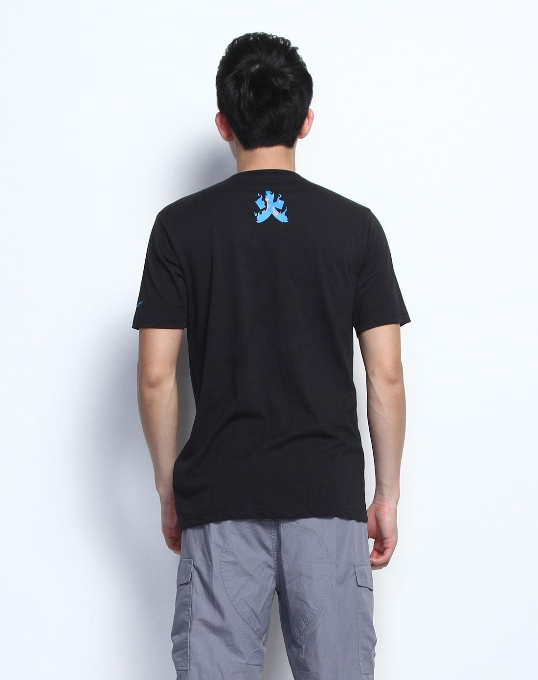 黑色篮球人物短袖t恤