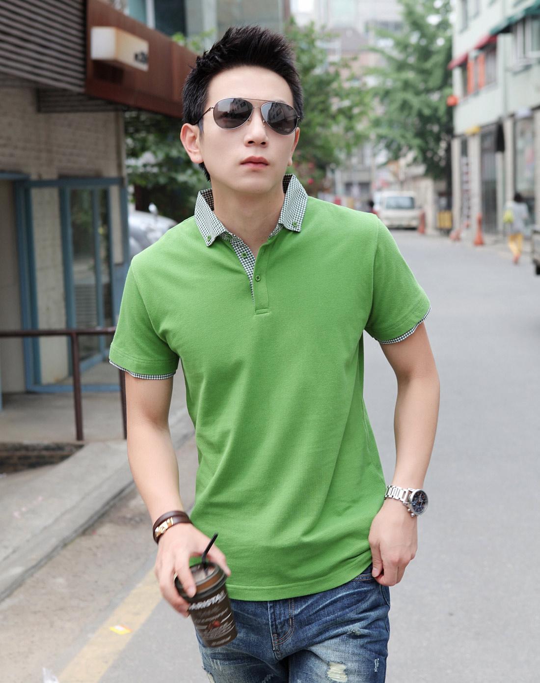 绿色衬衫如何搭配毛衣