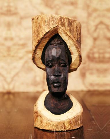 口】乌木原木桩雕刻妇女