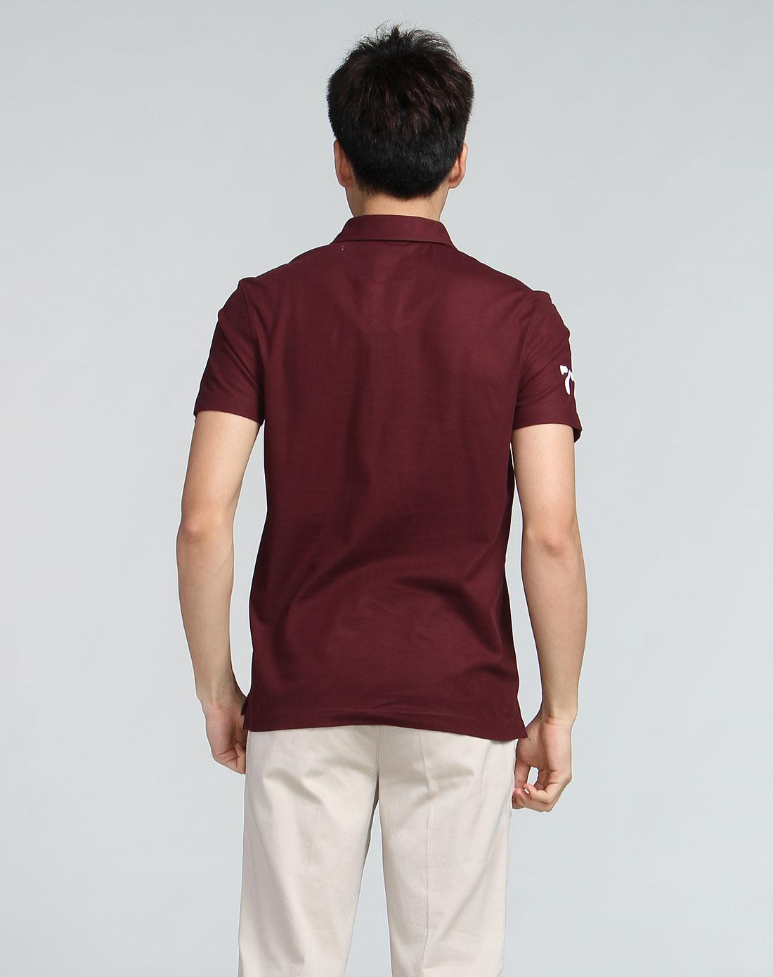 领�9k�iY�[��y�N���_植绒印花polo领短袖酒红色t恤