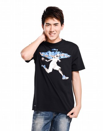 耐克nike黑色篮球人物短袖t恤520717-010