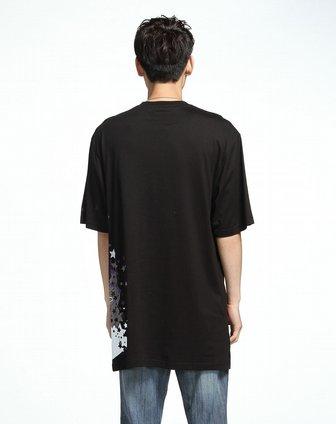 男款星星人物印图黑色短袖t恤
