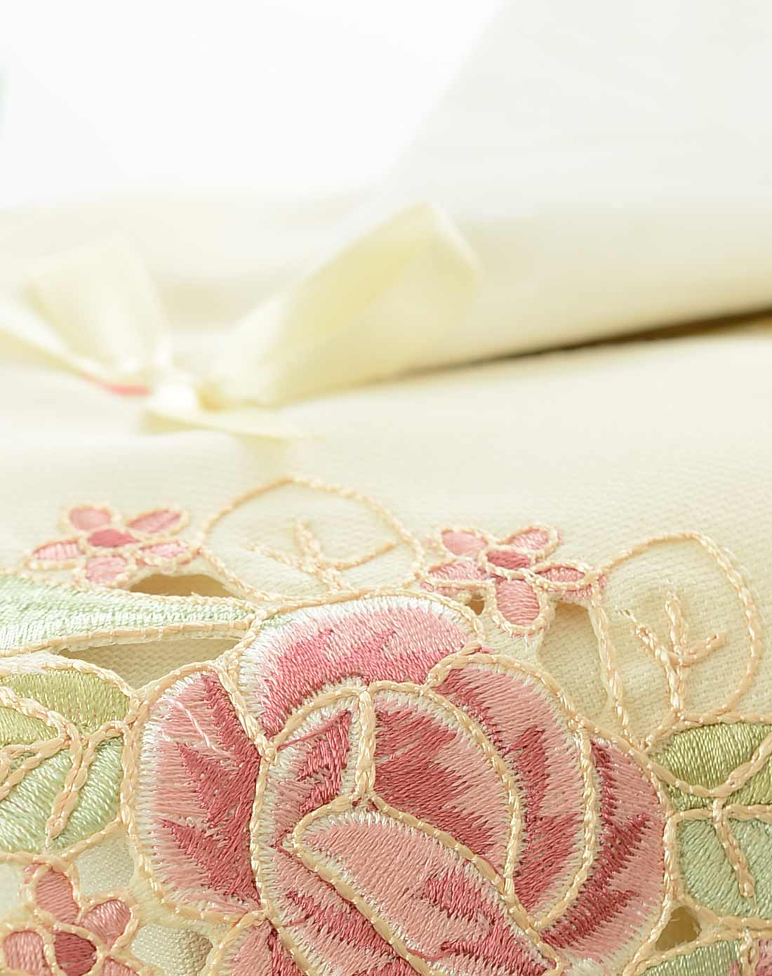 欧式立体刺绣华丽玫瑰纸巾盒