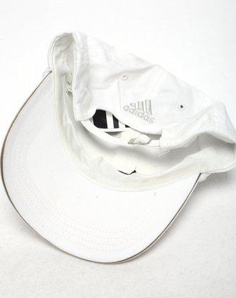 中性白色帽子