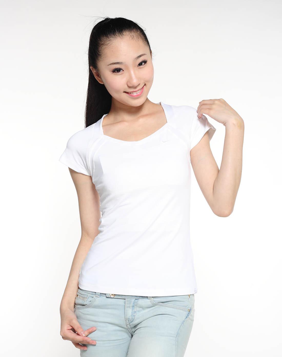 白涩t恤+女