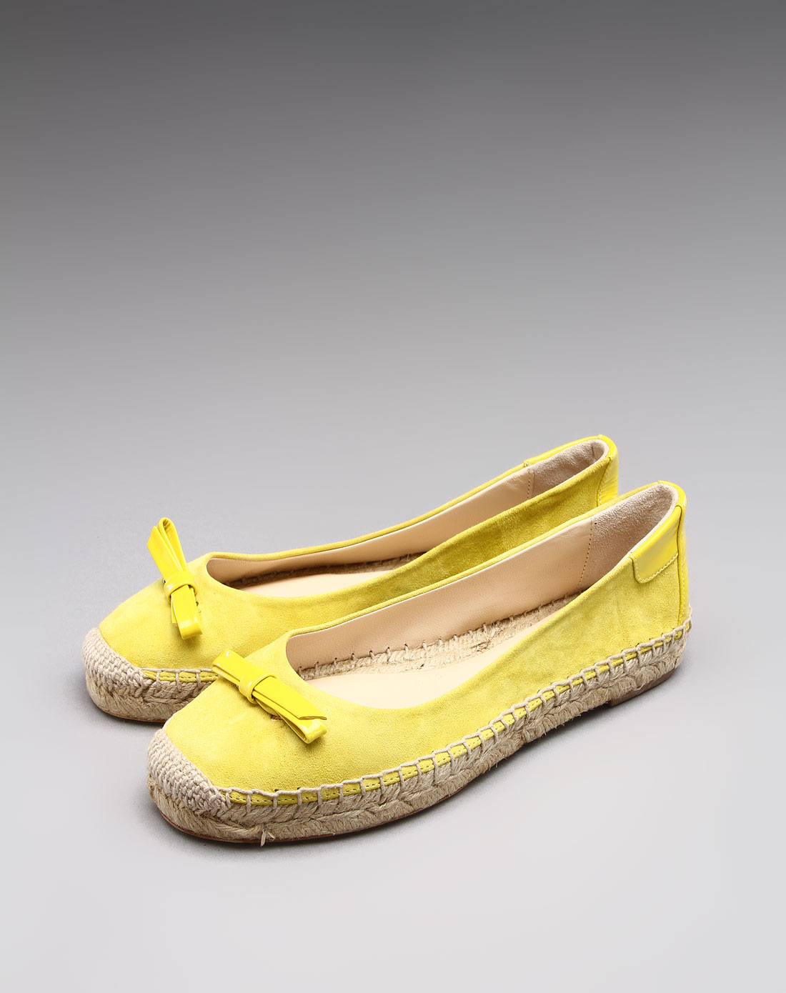 女款简约优雅牛皮平底鞋