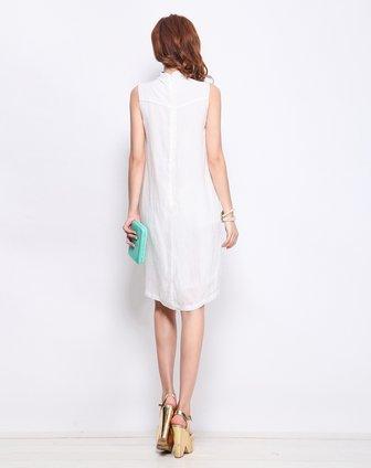 白色设计感不等式裙摆造型连衣裙