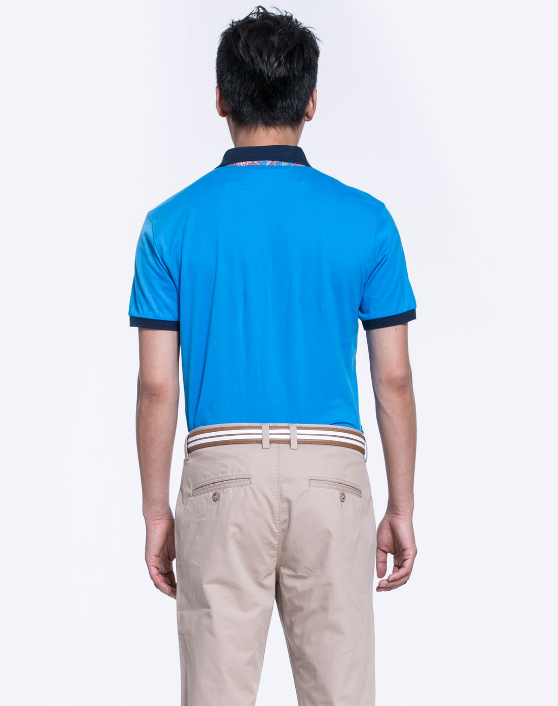 湖蓝色时尚短袖翻领t恤