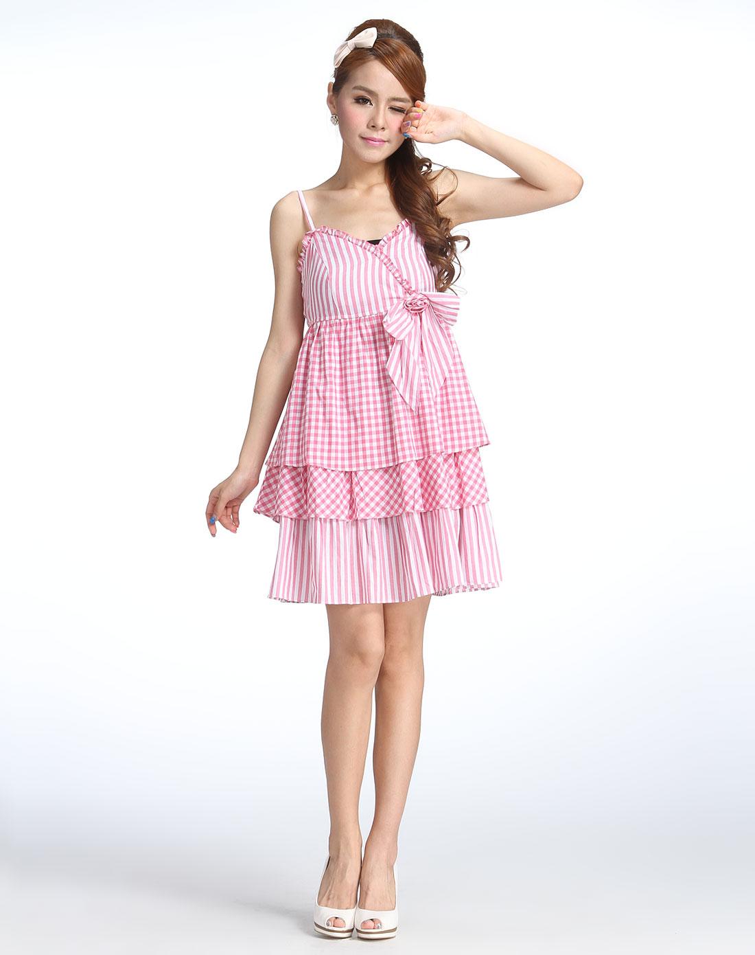 粉红色可爱蝴蝶结格子吊带连衣裙