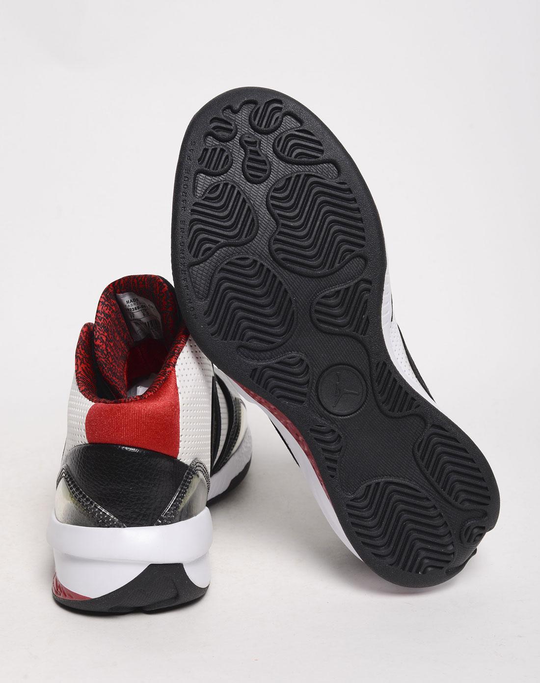 乔丹儿童篮球鞋