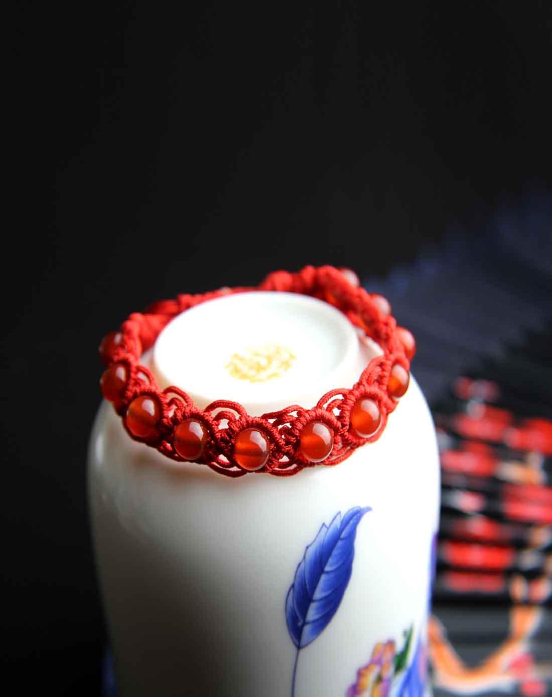 红玛瑙纯手工编绳嵌珠手链(附证书)