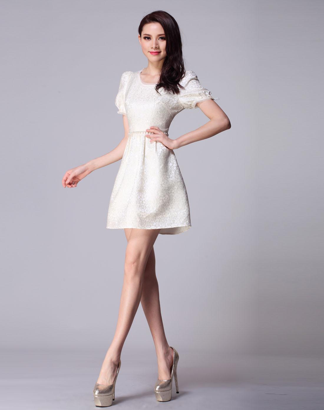 轻熟女装_zimmur女装专场-米色短袖轻熟女优雅连衣裙