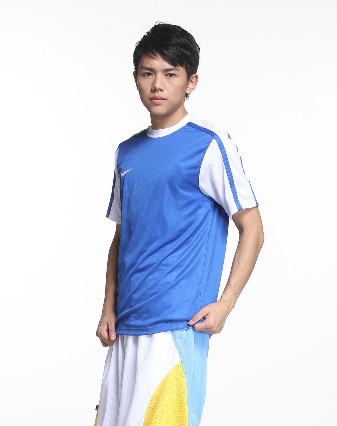 蓝色足球短袖t恤