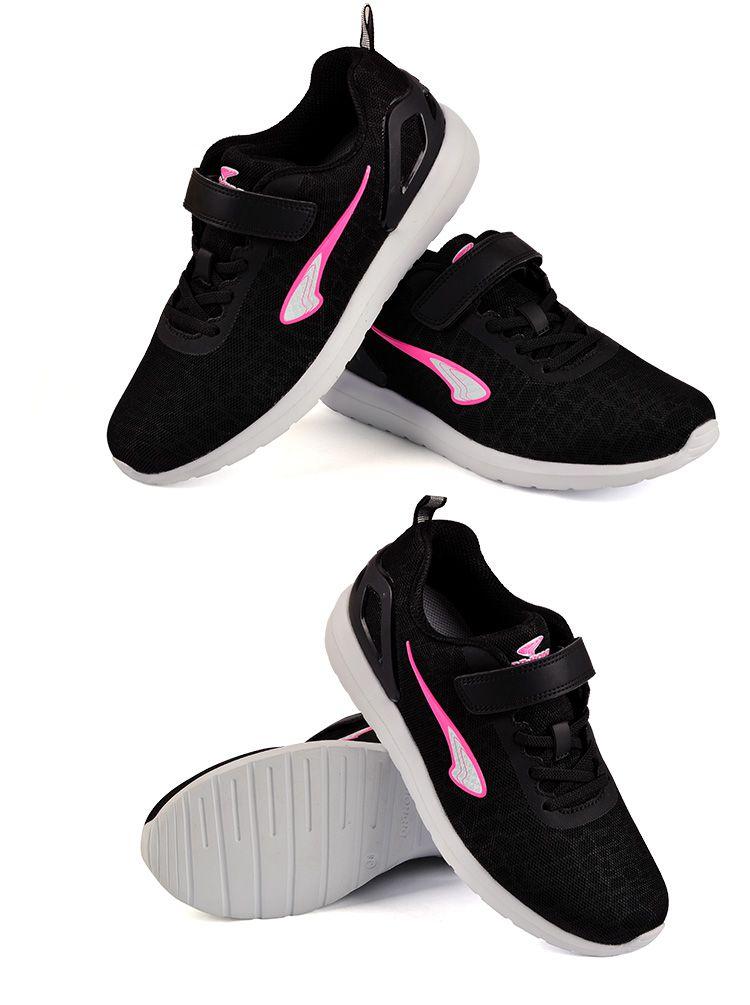 女黑色儿童运动鞋