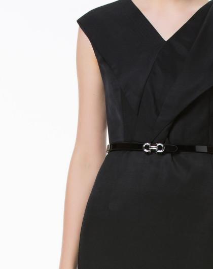 黑色气质立体时尚纯色v领连衣裙
