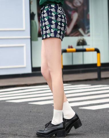 艾欧唯aiov绿色动物对称印花短裤xkyl3500lv01