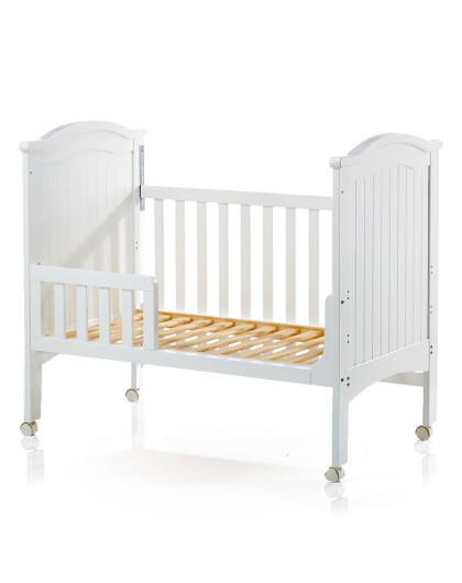 欧式白色童床+床围蓝